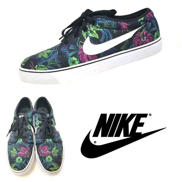 purchase cheap 11071 c6baf Nike Toki Low TXT Men s Sneakers Tropical Sz 11. M 5ac7739efcdc315410f1c8cf